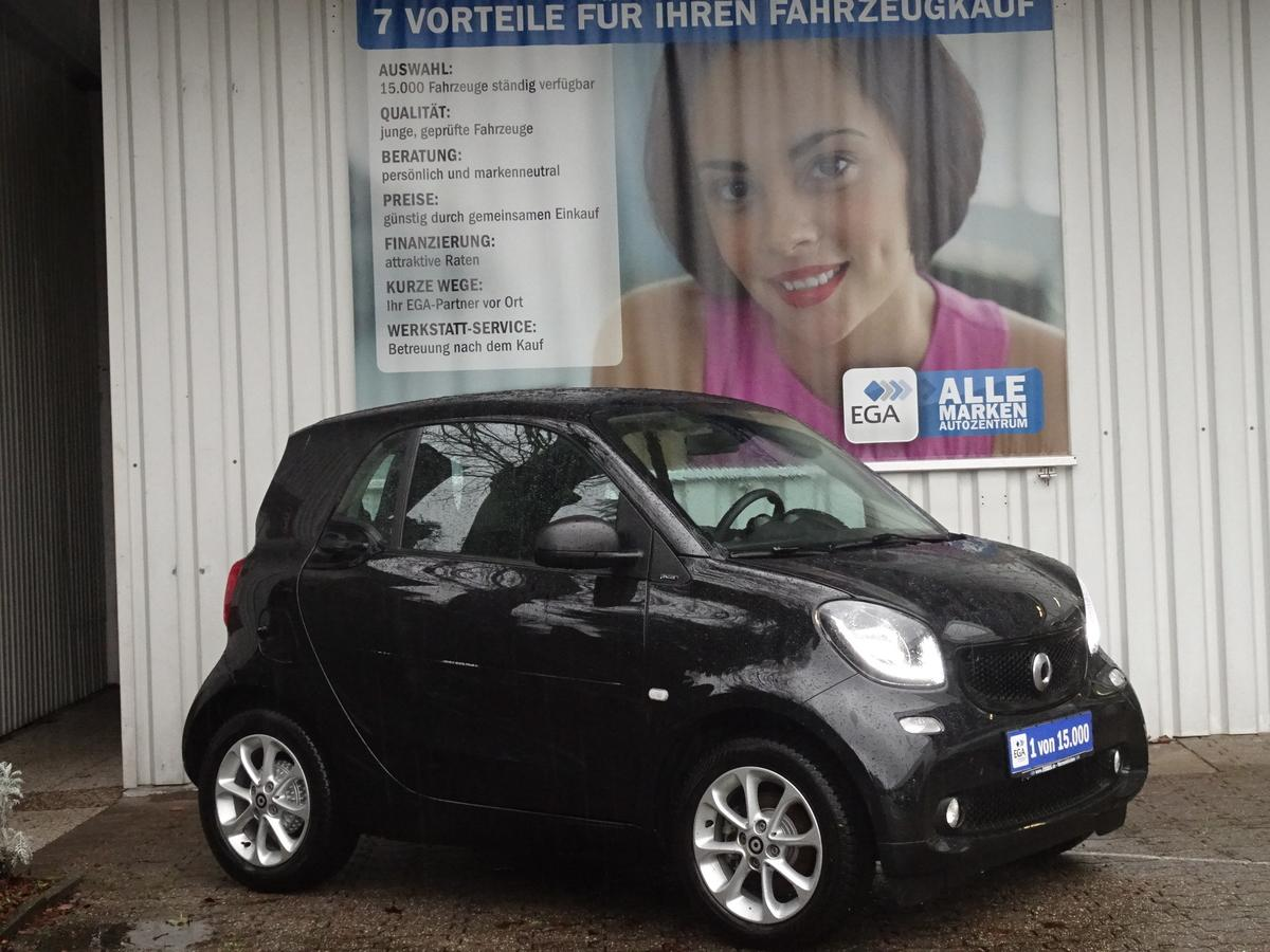 Smart ForTwo Coupe PASSION/PANORAMA/TEMPOMAT/SITZH/LED/ALU/KLIMAAU